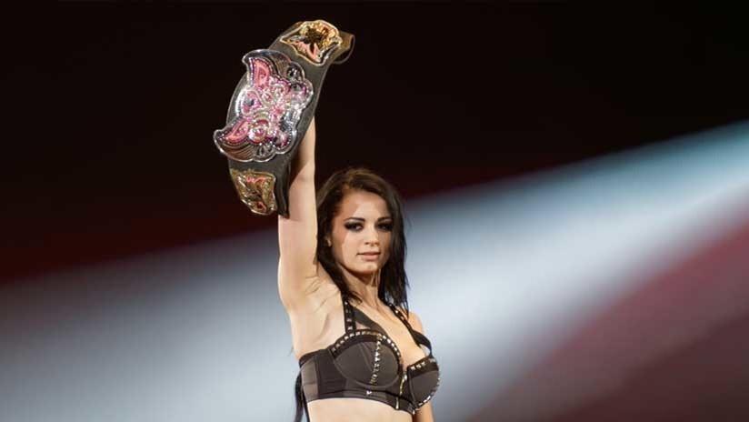 VIDEO: La inesperada patada por la espalda que acabó con la carrera de la luchadora Paige de la WWE
