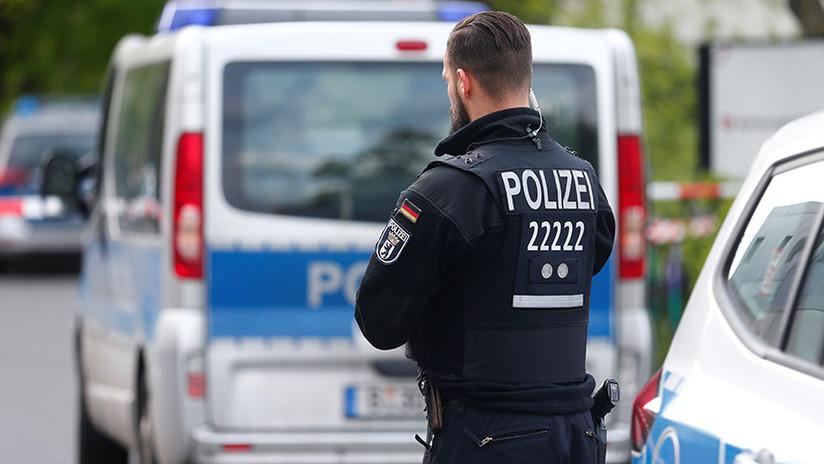 Alemania: Detienen a una mujer por dejar que cuatro hombres abusaran de su hijo a cambio de dinero