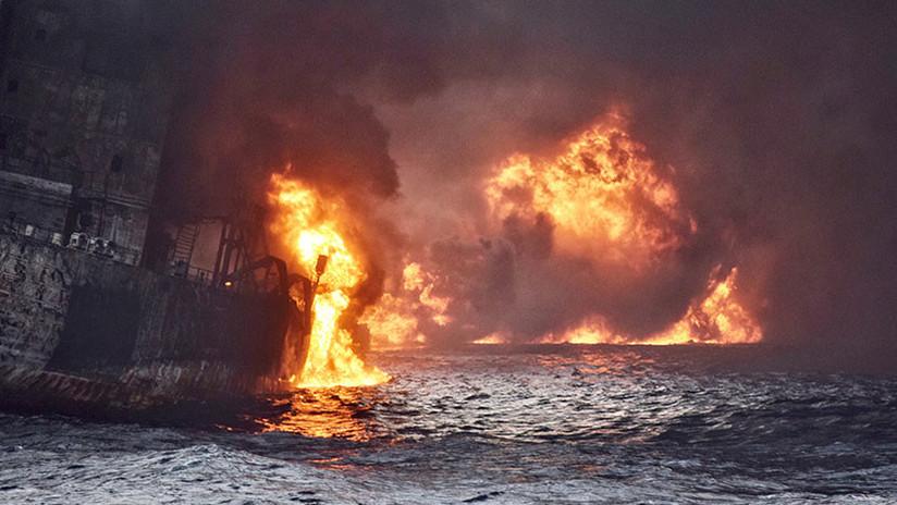 """""""No hay esperanza de hallar sobrevivientes"""": Se hunde en China el petrolero iraní siniestrado"""