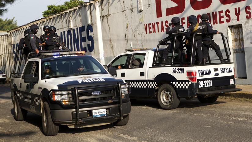 México: Encuentran los restos mutilados de al menos 9 personas abandonados en una camioneta
