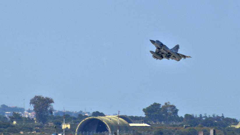 Emiratos Árabes Unidos denuncia que cazas de Catar le han interceptado un avión de pasajeros