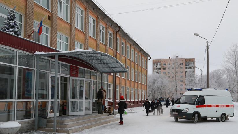Apuñalamiento masivo en una escuela rusa: uno de los autores se autolesionó durante el ataque