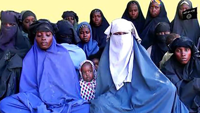 """Alumnas secuestradas por Boko Haram: """"Por la gracia de Alá, no volveremos con ustedes"""""""