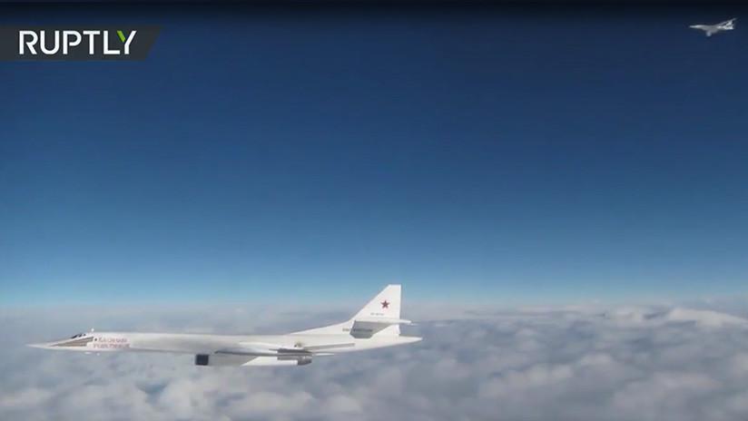 """VIDEO: Reino Unido difunde imágenes de cómo """"intercepta"""" a dos bombarderos rusos"""