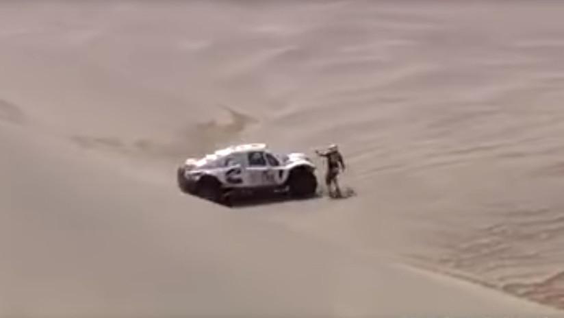 VIDEO: Una piloto evita ser atropellada de milagro en una etapa del Rally Dakar 2018