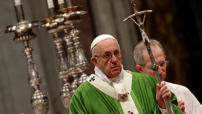 """El papa Francisco siente """"dolor y vergüenza"""" por los abusos a menores cometidos por la Iglesia"""