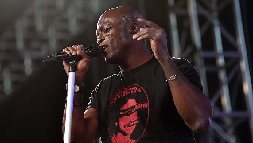 Un cantante británico es investigado por agresión sexual tras unirse a la lucha contra el flagelo