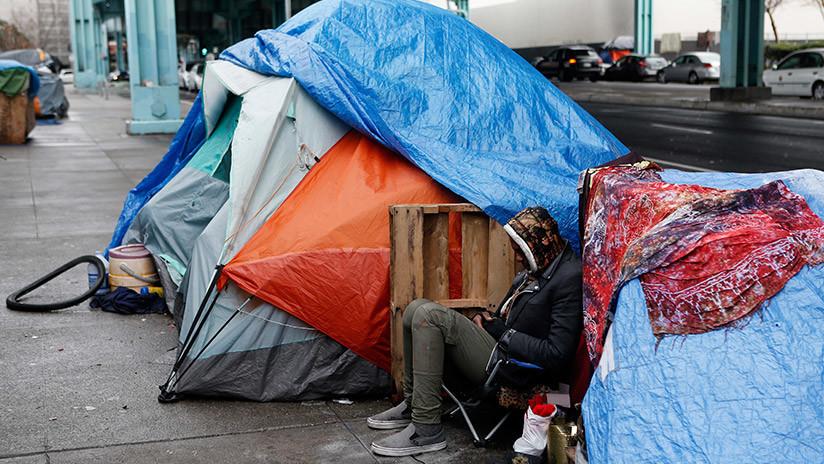 EE.UU.: 12 personas enfrentan cargos criminales por alimentar a indigentes en un parque