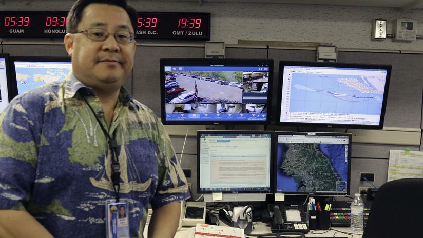 Los responsables de las alertas nucleares en Hawái posaron con sus contraseñas a la vista (FOTOS)
