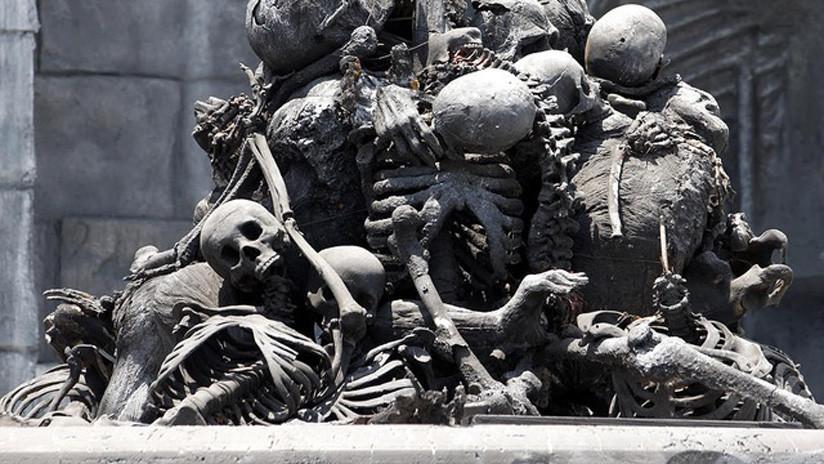 España: Una obra artística elaborada con huesos humanos desata la polémica (VIDEO)