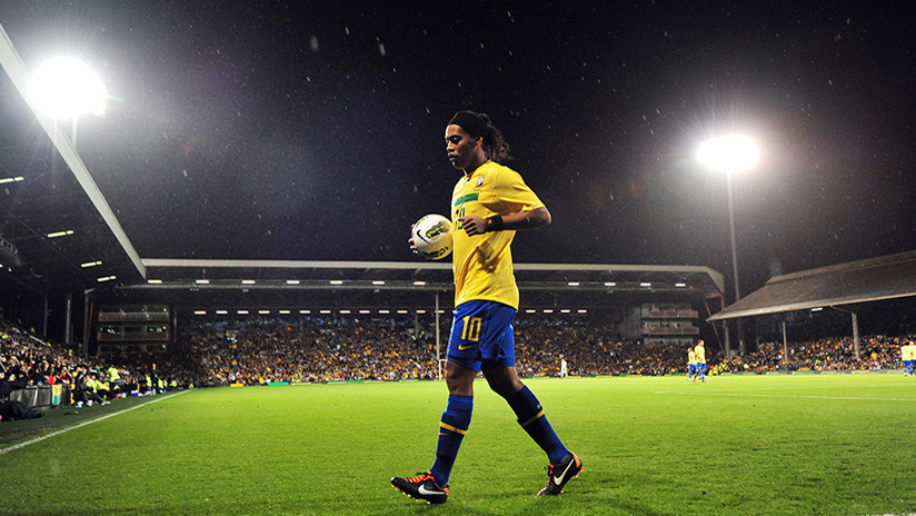 Ronaldinho escribe emotiva carta de agradecimiento tras anunciar su retiro del fútbol