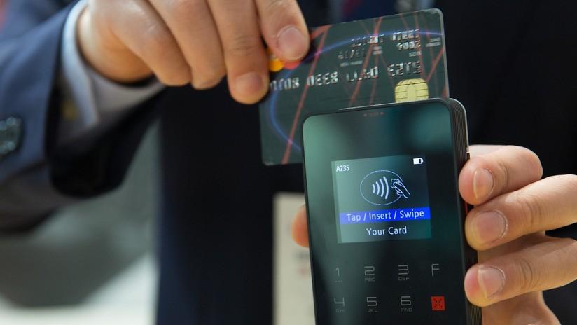 ¿No tiene dinero en efectivo? Una iglesia de Francia acepta ofrendas con tarjeta 'contacless'