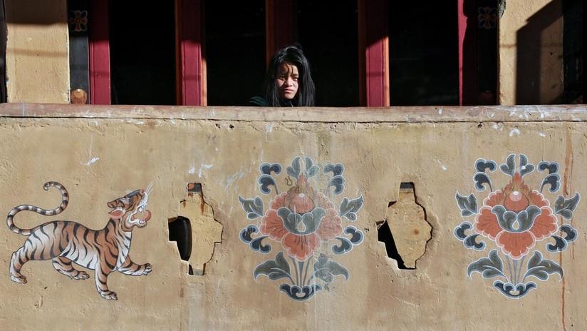 La cara cambiante de Bután: choque de mundos en el país del Himalaya