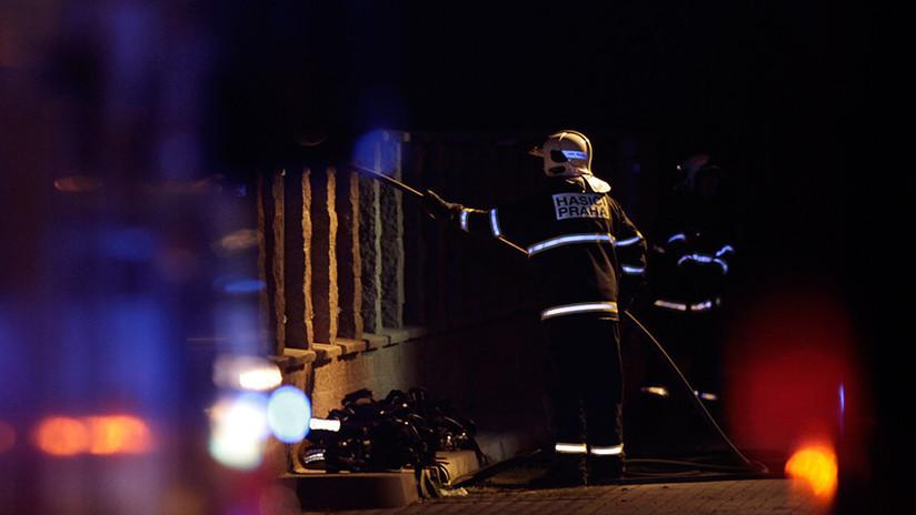 Al menos dos muertos y una cuarentena de heridos en un incendio en un hotel de Praga