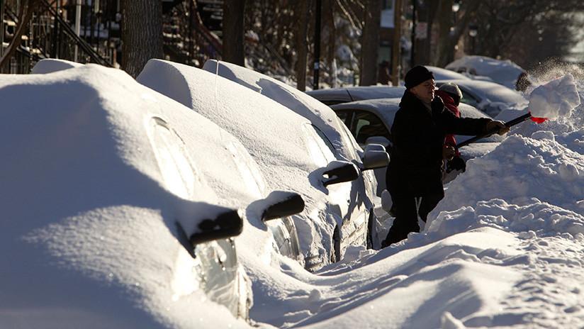"""""""Jajajaja"""": Policía canadiense intenta multar a un coche de nieve (FOTOS)"""