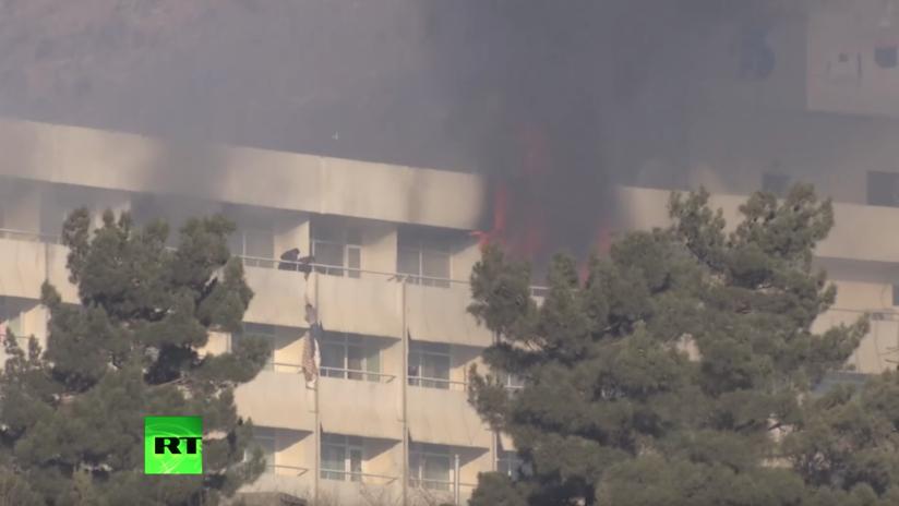 Rehenes del Hotel Intercontinental de Kabul escaparon por el balcón atando sábanas (VIDEO)