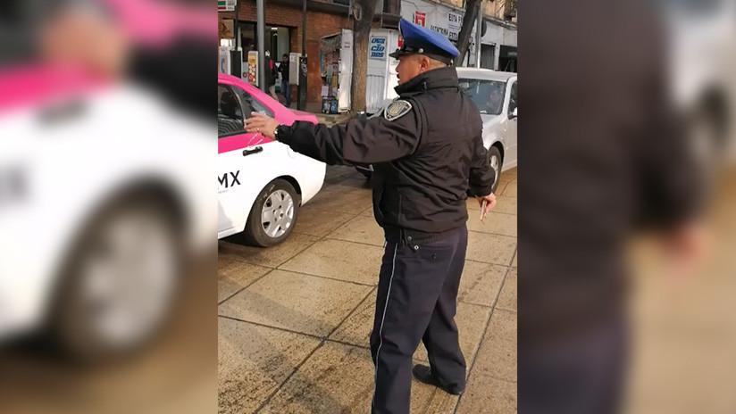 ¡Buen día, que le vaya bien!: El policía de tráfico amable de Ciudad de México arrasa en las redes