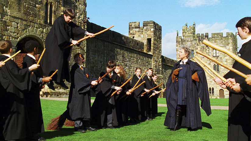La 'instructora de vuelo' de Harry Potter se queja de no sufrir ningún acoso sexual