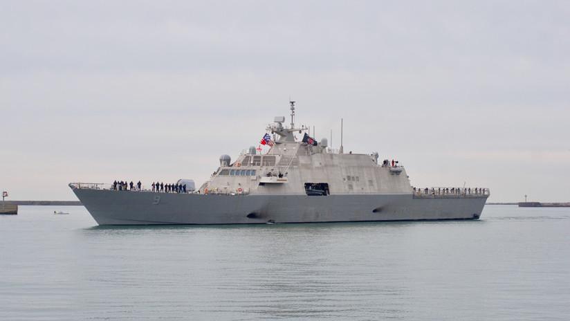 Vencido por el frío: Un buque de guerra de EE.UU. nuevo, atrapado por el hielo (FOTOS)