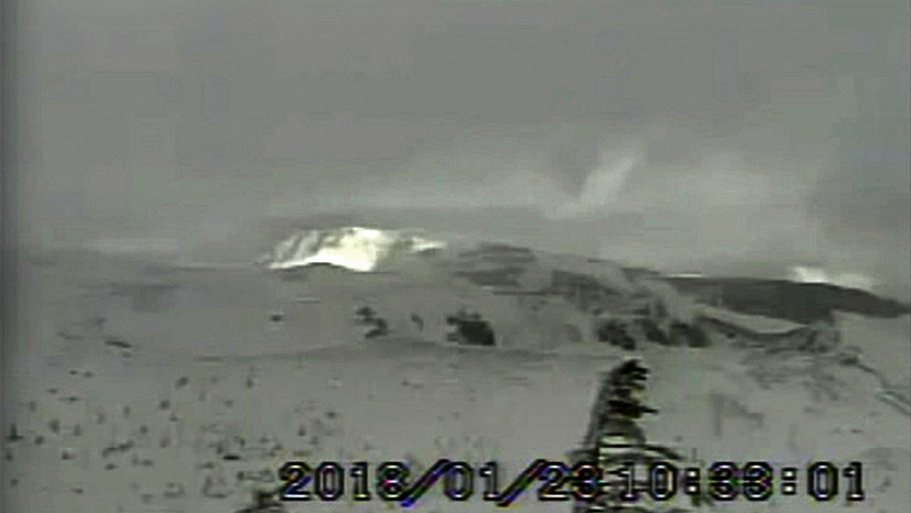 Una erupción volcánica deja al menos 15 heridos en Japón