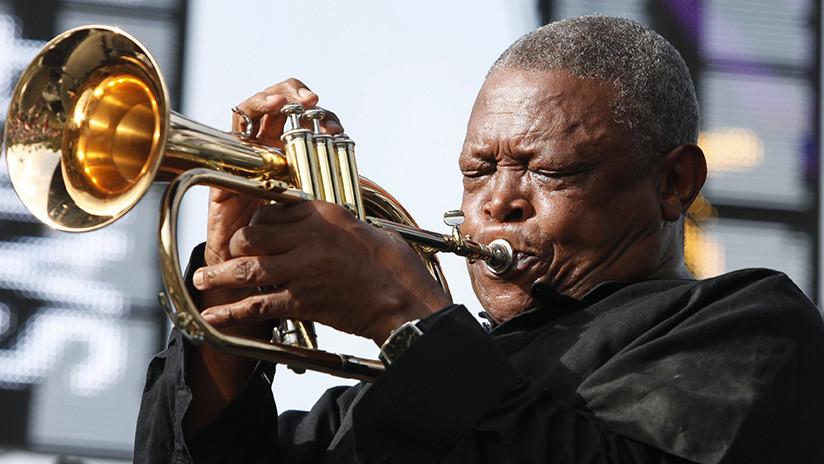 Fallece el trompetista de jazz sudafricano Hugh Masekela