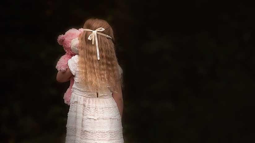 Sube a Facebook una foto de su hija de 8 años y una hora después la asesina a cuchilladas (FOTO)