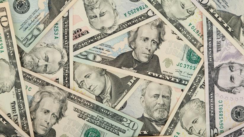 El dólar cae a su nivel más bajo de los últimos tres años respecto a seis monedas principales