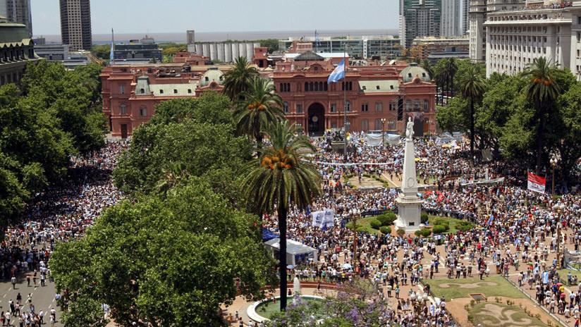 Polémica en Argentina por las remodelaciones en la emblemática Plaza de Mayo