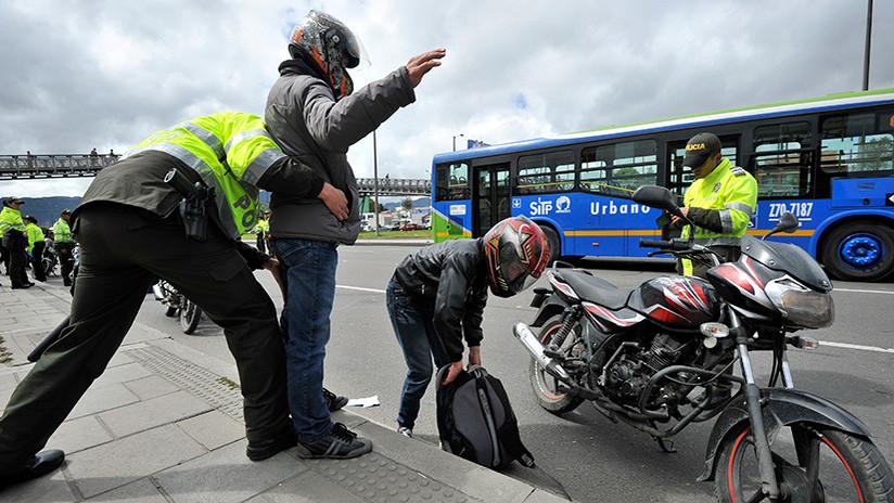 Polémica en Colombia: En Bogotá no se podrá circular en motocicleta con un acompañante masculino
