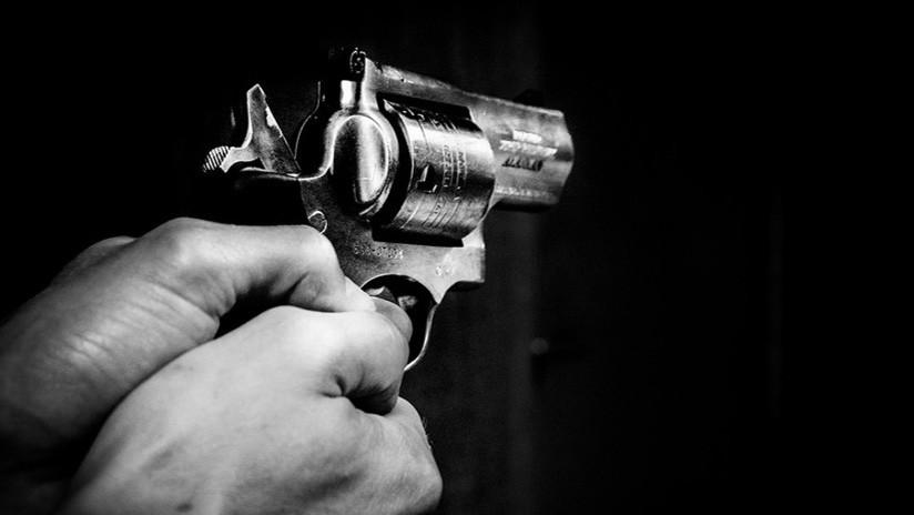 FUERTES IMÁGENES: Asesinan a tiros a una anciana en la puerta de su casa en la India