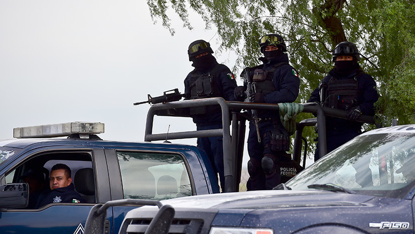 Pánico en el parque: Alcalde mexicano suspende acto público por balacera (VIDEO)