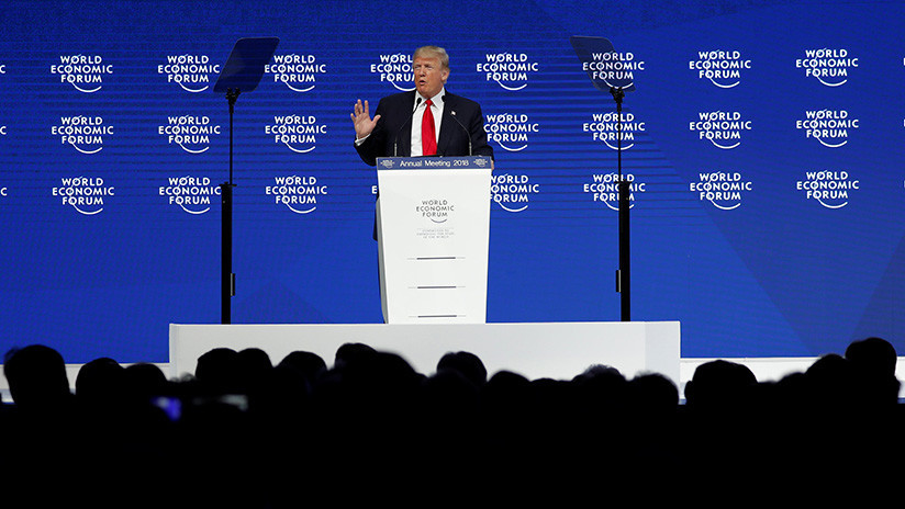 Video: El público abuchea a Donald Trump en Davos