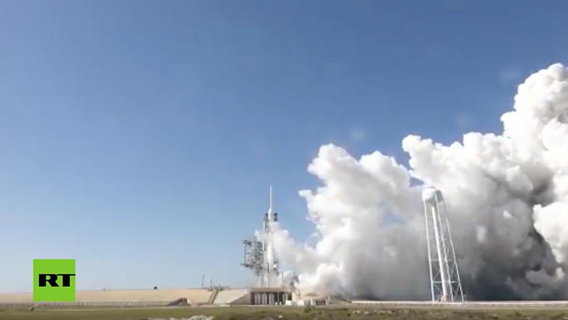 Space X ensaya el cohete más poderoso del mundo (VIDEO)