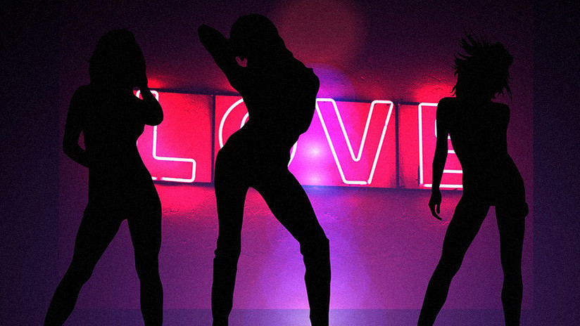 VIDEO: 'Strippers' bailan con cumpleañero de 12 años en calidad de 'regalo' de su padre millonario