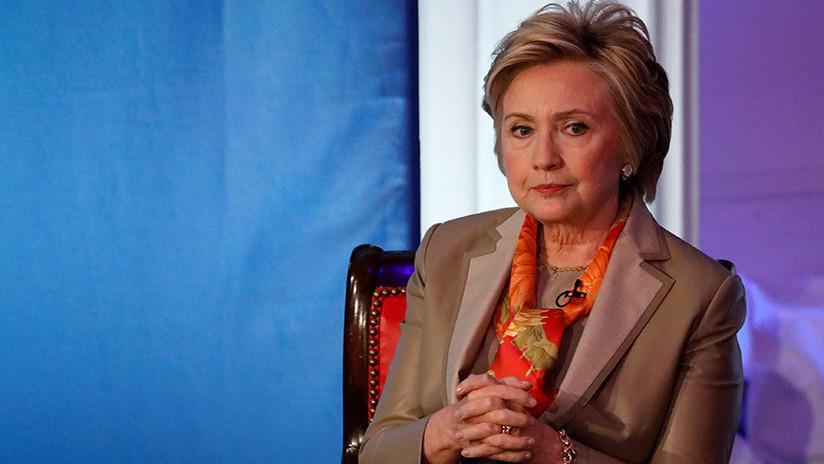 Hillary Clinton 'encubrió' en 2008 a su 'gurú espiritual', implicado en un caso de acoso sexual