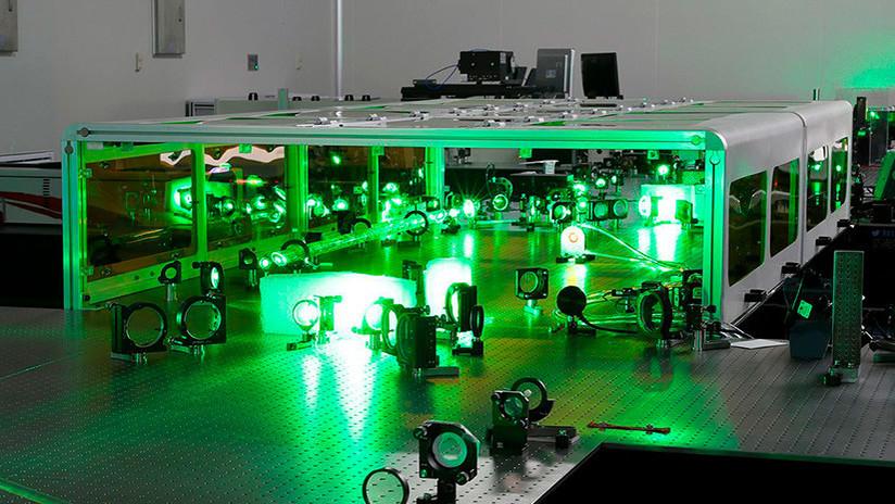 """Físicos chinos diseñan el láser más potente del mundo, que """"podría generar algo de la nada"""""""