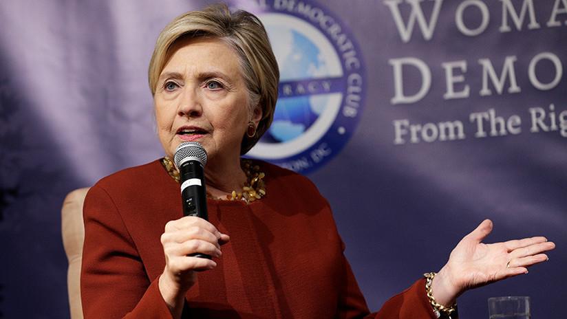 """VIDEO: Clinton se dirige a """"las activistas p*tas que apoyan a las p*tas"""" en un extraño mensaje"""