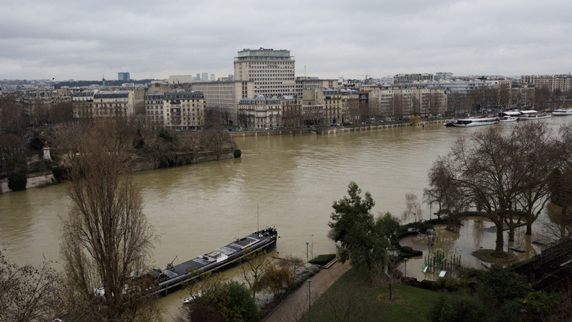 El desbordamiento del río Sena obliga a evacuar a 1.500 personas en la región de París (VIDEO)