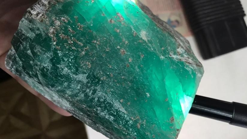 Hallan una esmeralda gigante de 1,6 kilogramos en Rusia