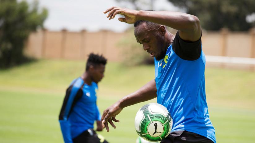 Bolt comienza a entrenar con el equipo líder de la liga fútbol de Sudáfrica (VIDEO)