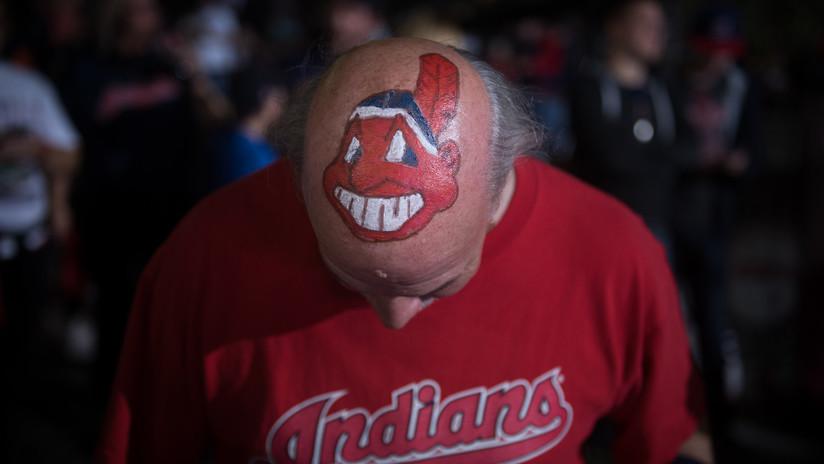 """Los Indios de Cleveland eliminan su logotipo """"racista"""" y los nativos americanos reaccionan"""