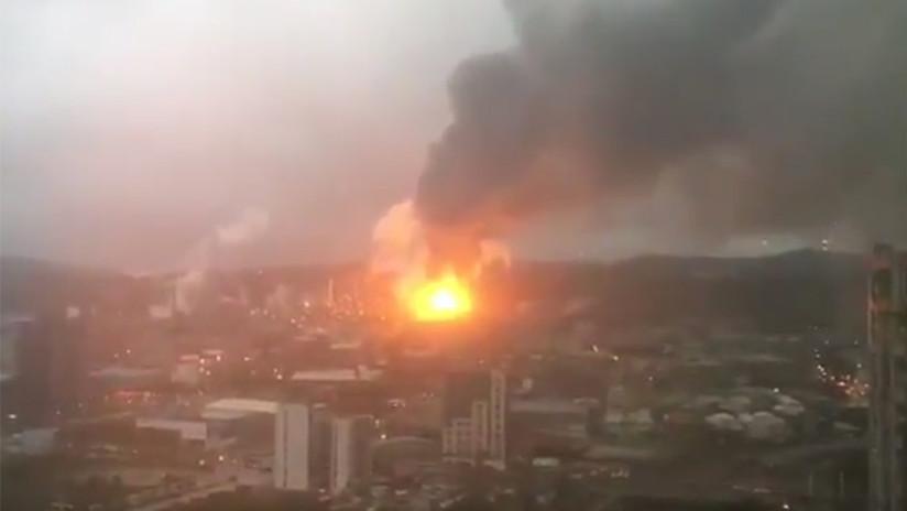 'Infierno' en Taiwán tras fuertes explosiones en una refinería de petróleo (FOTO, VIDEO)