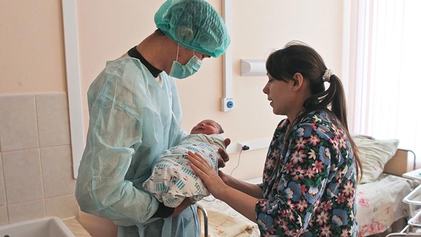 Nace en el sur de Rusia una bebé gigante de 6,3 kilos (FOTO)