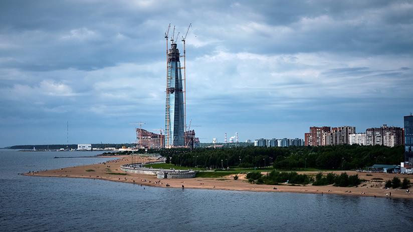 San Petersburgo: coronan con un chapitel el rascacielos más alto de Europa (VIDEO)
