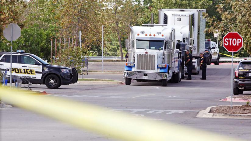 EE.UU.: Arrestan a un conductor por transportar 76 latinos indocumentados