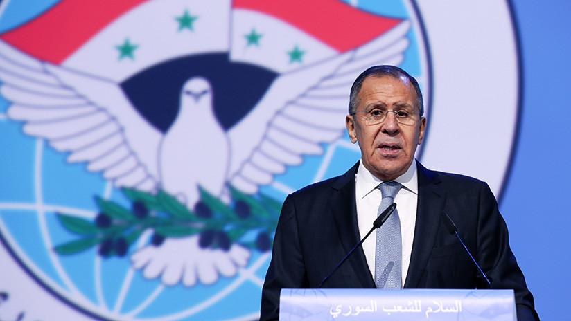 ¡Viva Rusia!: Interrumpen el discurso del canciller ruso en el Congreso de Diálogo Nacional Sirio