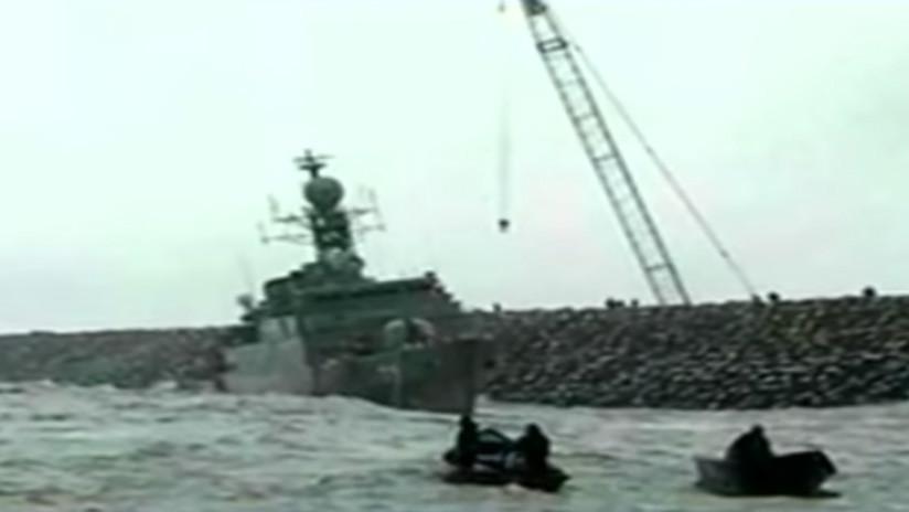 VIDEO: Buque insignia iraní se parte en dos y se hunde