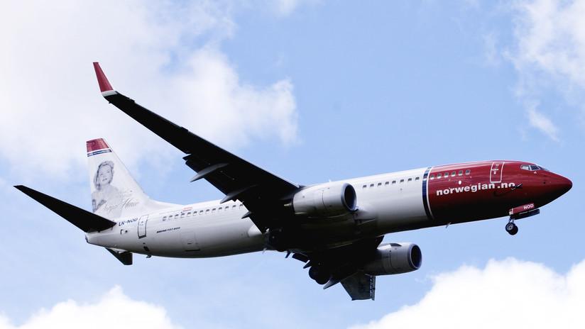 Un avión noruego con 84 fontaneros a bordo aterriza de emergencia por un problema con los inodoros