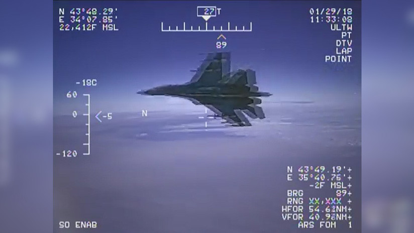 Publican un video de la intercepción de un avión espía de EE.UU. por un caza ruso Su-27