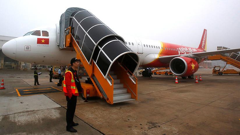 Una aerolínea de Vietnam bajo el fuego de las críticas por un espectáculo de 'striptease' en el aire